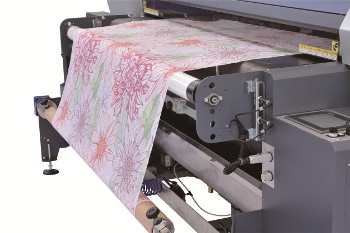 The new Mimaki features belt feed for stretchy fabrics