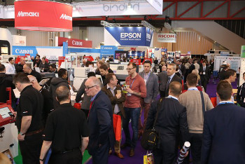 Busy Aisles at Sign & Digital UK 2014